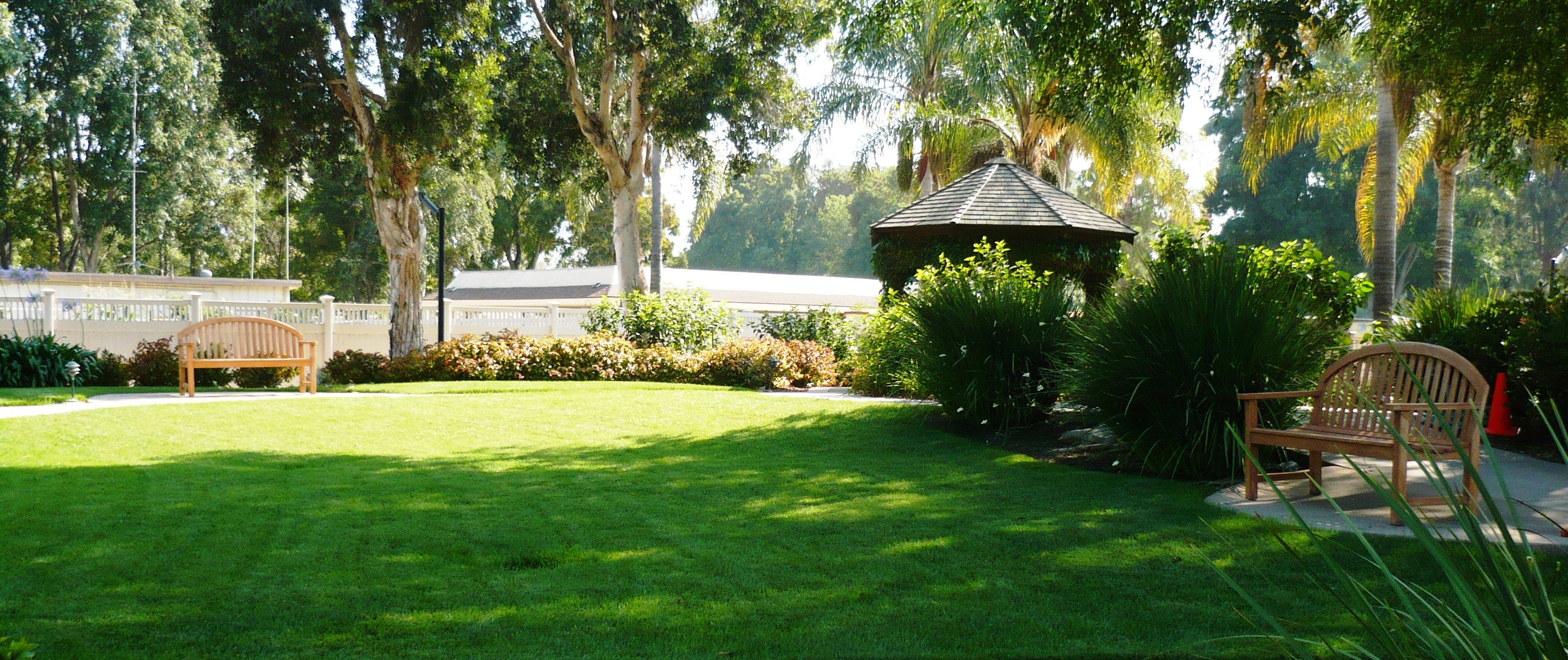 http://www.leisurevillagecamarillo.com/