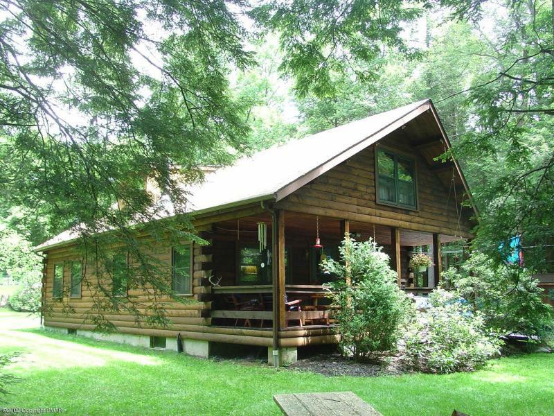 woods cabin log vrbo of secluded the for pa in cabins pennsylvania sale
