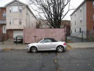 388 New St, Newark City, NJ, 07103-2823