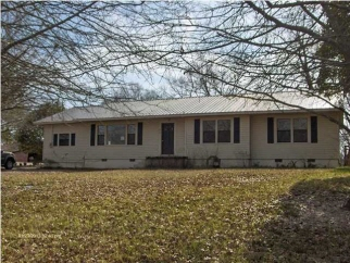75 8th Ave, Bay Springs, MS, 39422
