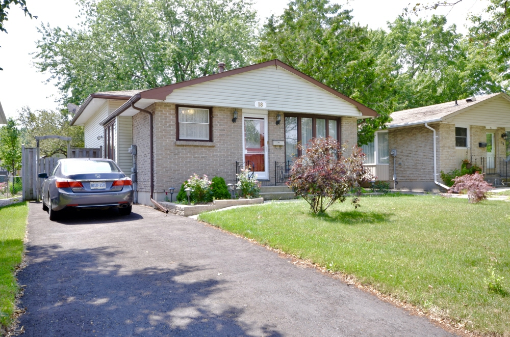 18 Adswood Place, London, ON, N6E 1W7 Canada