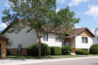 210 West 7th Street, Bottineau, ND