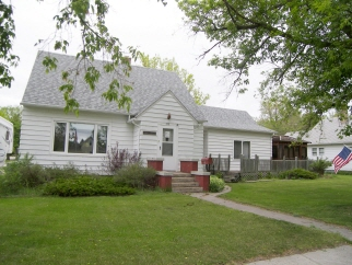 222 West 8th Street, Bottineau, ND, 58318