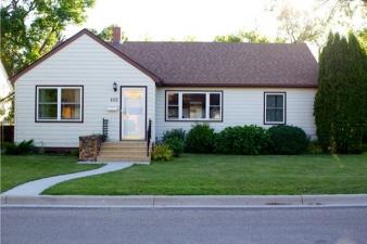402 Alexander St, Bottineau, ND, 58318 Canada