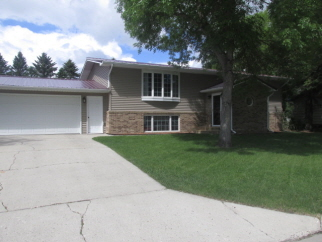 401 6th Ave, Rolette, ND