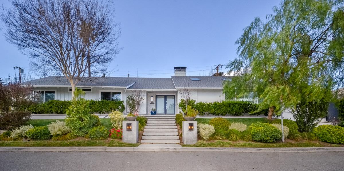 4913 Angeles Crest, La Canada Flintridge, CA, 91011 United States