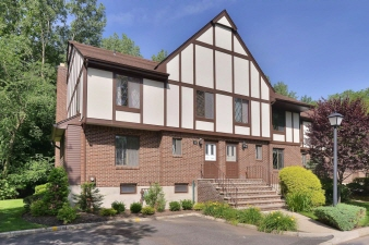 50 Holiday Court, River Vale, NJ, 07675 United States