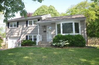 1 Douglas Rd, Green Brook Twp., NJ, 08812-2605