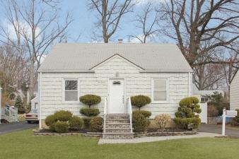 650 Summit Ave, Kenilworth Boro, NJ, 07033-1819