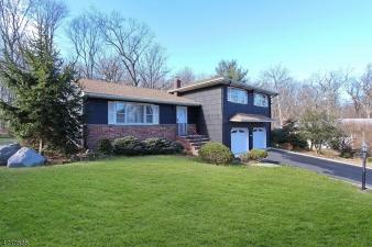 1136 Saddle Brook Road, Mountainside Boro, NJ, 07092-1513