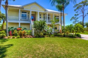 105 Shoreland Dr, Sarasota, FL, 34229 United States