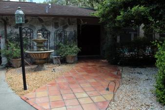 2242 Shadow Oaks Road, Sarasota, FL, 34240 United States