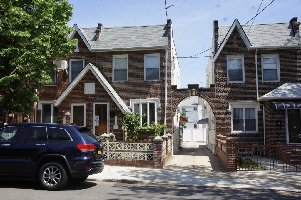 1133 76th STREET, Brooklyn, NY, 11228 United States