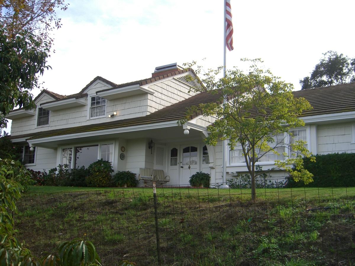 3960 Alomar Dr, Sherman Oaks, CA, 91423 United States