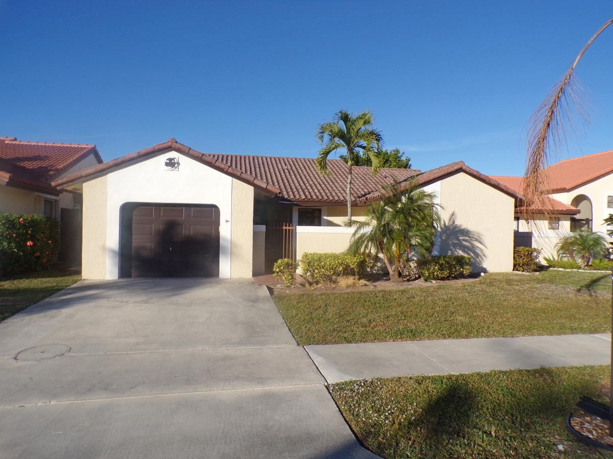 40 Columbia Ct, Deerfield Beach, FL, 33442 United States