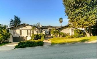 5349 Ivafern Lane, La Canada, CA, United States
