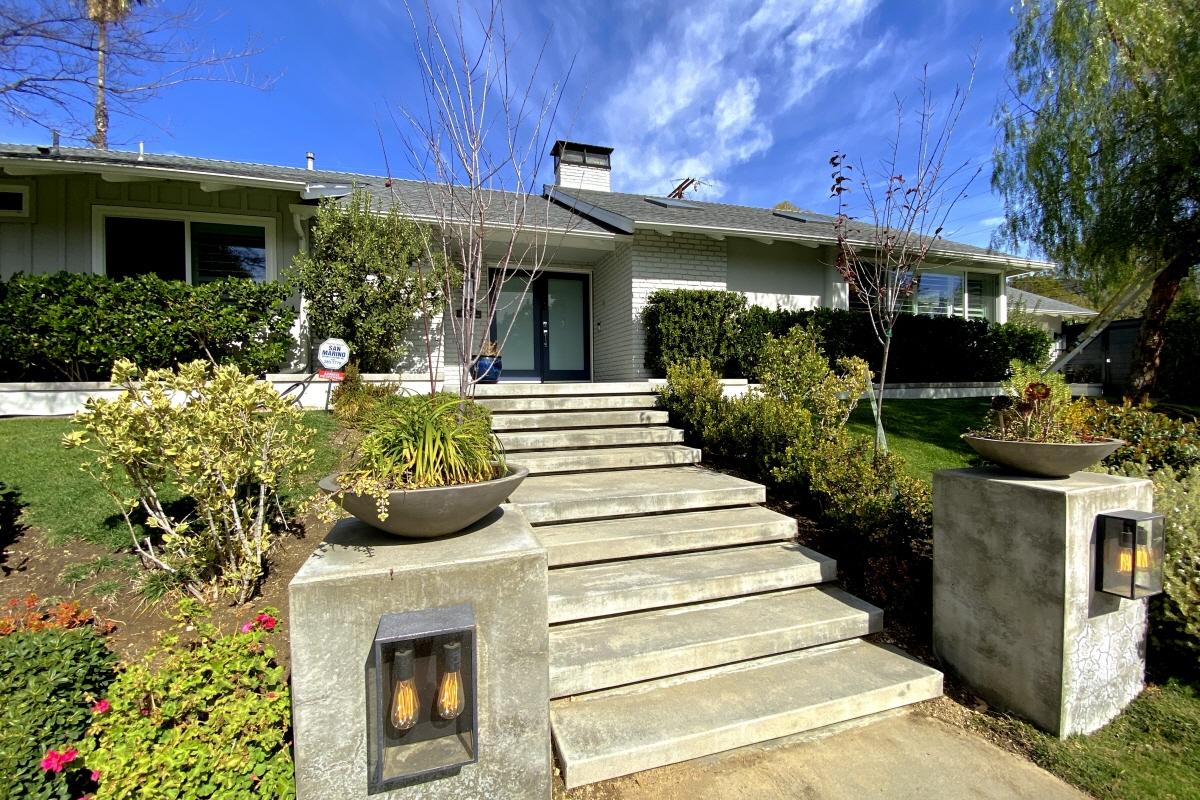4913 Angeles Crest Circle, La Canada Flintridge, CA, 91011 United States