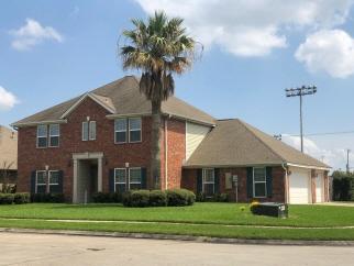 1745 Green Oaks Drive, Port Neches, TX, 77651 United States