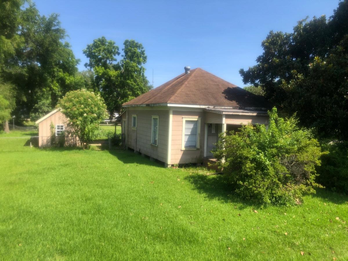 149 E. Cypress, Port Neches, TX, 77651 United States